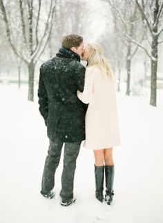 A winter engagement session in Chicago - KT Merry Photography