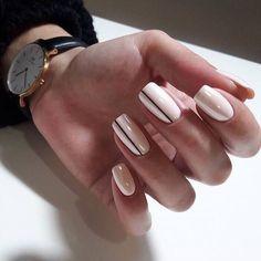 Kein Name - Nageldesign - Nail Art - Nagellack - Nail Polish - Nailart - Nails - crismas Minimalist Nails, Nagel Gel, Super Nails, Cute Acrylic Nails, Art Nails, Stylish Nails, French Nails, French Manicures, French Toes
