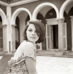 vintage everyday: Black and White Portraits of 40 Beautiful and Hottest Hollywood Actresses of the 1960s