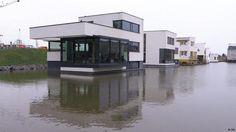 """""""Wohnen auf dem Wasser""""   Das Klima verändert sich. Europas Architekten entwerfen daher schwimmende Inseln und Städte."""