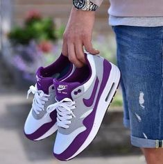 the best attitude e2f61 934fc Nike Air Purple and White Nike Free Shoes, Nike Női, Outfit, Nike Cipő