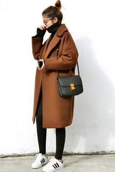 Camel Coat outfits are a modern classic, and the best way to stay warm, chic, sexy, and sophisticated this winter. Though Camel Coats has been a fashi. coat Favorite 70 Winter Outfits with a Camel Coat to Stay Chic and Warm Winter Outfits For Teen Girls, Winter Outfits For Work, Casual Winter Outfits, Winter Fashion Outfits, Look Fashion, Fall Outfits, Autumn Fashion, Fashion Coat, Casual Boots