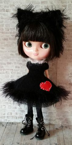 Meow!!!  Want to make a super soft lucky black cat outfit for your 12 Blythe doll? Well you can with my fabulous DIY knitting kit! These kits are limited