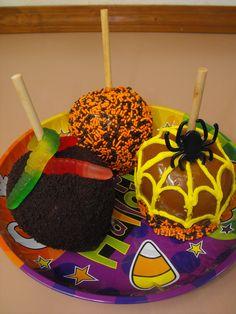 Halloween Caramel Apples :)