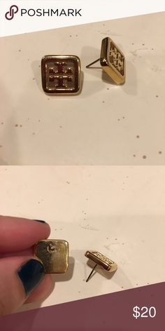 ‼️AMAZING PRICE‼️Tory Burch Studs Tory Burch square gold studs with logo. Great condition! Properly sanitized. Backs not included. Tory Burch Jewelry Earrings