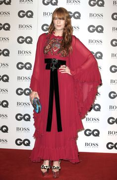 Florence Welch attends the GQ Men Of The Year Awards 2016 at Tate Modern in London, England. We could use a little Flo right now. Kimono Fashion, 70s Fashion, Fashion Outfits, Cape Dress, Dress Up, Florence Welch Style, Gq Men, Iconic Women, Celebrity Look