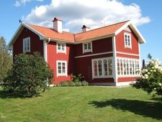 Torp Swedish Cottage, Red Cottage, Style At Home, Scandinavian Home, Winter Garden, Home Fashion, House Colors, Old Houses, House Plans