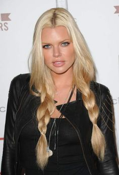 Sophie Monk's effortless braids - blonde long hair styles