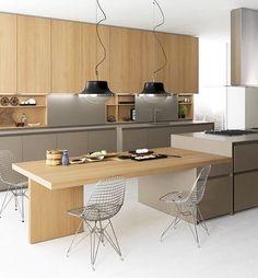 Hora do almoço é hora de estar num ambiente gostoso, espaçoso, claro e cheio de estilo ✨ Cozinha por Stefano Cavazzana