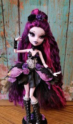 Her hair has been rerooted, eyelashes added, na… Beautiful custom ooak Elissabat. Her hair has been. Monster High Doll Clothes, Custom Monster High Dolls, Monster Dolls, Monster High Repaint, Custom Dolls, Ooak Dolls, Art Dolls, Doll Painting, Ever After High
