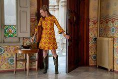 Ahead of tonight's season three premiere, Killing Eve costume designer Sam Perry gives Vogue the exclusive details on Villanelle's brand new look. Alexa Chung, Runway Fashion, Fashion News, Fashion Quiz, Women's Fashion, White Fashion, French Fashion, Eve Costume, Luxury Wardrobe