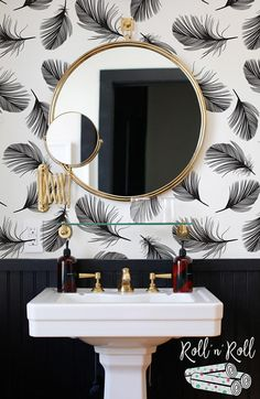 Feather wallpaper Feather wall mural Black and white Minimalist wall decor Scandinavian Modern wall art Black Wallpaper Bedroom, Feather Wallpaper, Of Wallpaper, Wallpaper Toilet, Bedroom Black, Skandinavisch Modern, Modern Wall Art, Minimalist Bedroom, Minimalist Decor
