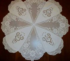 Crochet Doilies – Knitting world and crochet Filet Crochet, Crochet Doilies, Cutwork Embroidery, Diy And Crafts, Projects To Try, Knitting, Sewing, Lace, Charts