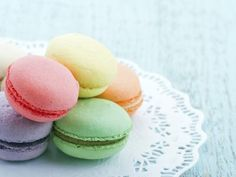 International Desserts That Are Worth Traveling For French Macaroons, Macaroon Recipes, Four, Love Food, Fun Food, Sweet Recipes, Sweet Desserts, Cupcake Cakes, Cupcakes