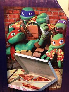 It's pizza time! Tmnt 2012, Turtle Birthday, Turtle Party, Ninja Turtles Art, Teenage Mutant Ninja Turtles, Tortugas Ninja Leonardo, Ninja Turtle Cupcakes, Ninga Turtles, Leonardo Tmnt