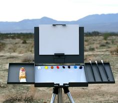 Thomas Jefferson Kitts | Blog: Bryan Mark Taylor and his new Strada Plein Air Easel...