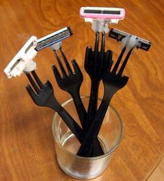 Plastic Fork Razors | 31 Redneck DIYs That Are Borderline Genius