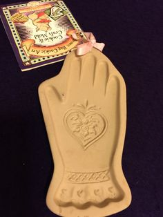 VINTAGE BROWN BAG COOKIE ART MOLD Hand & HEART 1996 VALENTINE RETIRED
