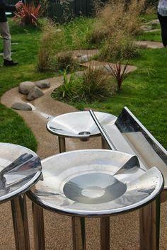 Outdoor Water Play - Pen Green AISWA Scotland Study Tour ≈≈ http://www.pinterest.com/kinderooacademy/sand-water-play/