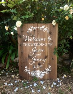 Etsy の Welcome wedding sign aged wood 22x32 by FromKellyWithLove