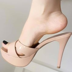 Skechers Go Walk 3 Womens Shoes Sexy Legs And Heels, Hot Heels, Sexy High Heels, Beautiful High Heels, Gorgeous Feet, Feet Soles, Women's Feet, Platform High Heels, Me Too Shoes