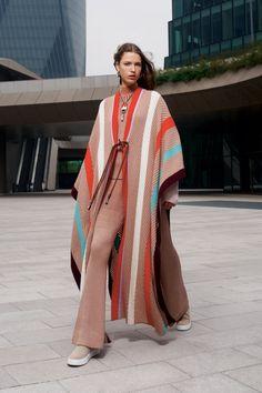 10 Trends From the Fall 2021 Season That Predict Fashion's Future | Vogue 2010s Fashion, Star Fashion, Fashion Show, Fashion Trends, Milan Fashion, Missoni, Milano Fashion Week, Ballet Fashion, Donatella Versace