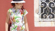 Prosta bluzka w papugi – DIY
