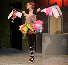 diy bird costumes - I like the wings sewn onto gloves. I could use long socks with the toes cut off.