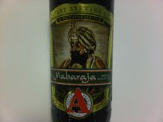 Cerveja Avery Maharaja, estilo Imperial / Double IPA, produzida por Avery Brewing, Estados Unidos. 10.4% ABV de álcool.