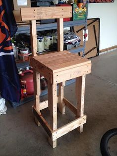 Pallet Projects - A Bar Stool Made From Pallet Wood