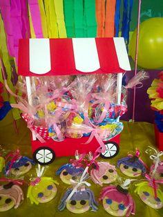 Kiosco mesa Candy con conos de golosinas