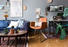 Get a rug! http://ift.tt/20daCL2 Get a rug! http://ift.tt/20daCL2 A  living room moment from @igorjosif s home tour on DS today. Check the link in the profile above for more pics :)  by @linaskukauske by designsponge