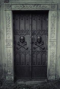 Entrance gates at the Evangelical Cemetery of the Augsburg Confession in Warsaw, Poland. Would be awesome front doors. Cool Doors, The Doors, Unique Doors, Windows And Doors, Front Doors, Dark Doors, Knobs And Knockers, Door Knobs, Door Handles