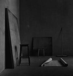 Christian Coigny : 'Still Life' Series (Photography) Christian Coigny, Interior Architecture, Interior Design, Dark Interiors, Dark Photography, Street Photography, Black N White, Black Art, Matte Black