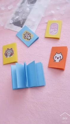 Easy Paper Crafts, Paper Crafts Origami, Diy Crafts Videos, Diy Crafts For Kids, Fun Crafts, Instruções Origami, Origami Cards, Paper Crafts Magazine, Candle Craft