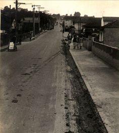 06-01-1959 - Rua Antônio Fonseca, na Vila Maria Baixa. Obra de pavimentação concluída.