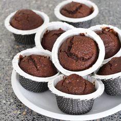 Moelleux au Chocolat sans sucre, sans beurre et sans œuf!