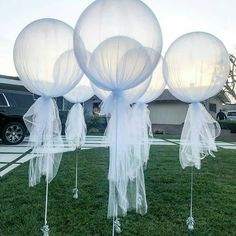 21 Ideas For Bridal Shower Balloons Tulle Tulle Balloons, Wedding Balloons, Balloon Balloon, Bridal Shower Balloons, Balloon Ideas, White Balloons, Diy Wedding, Dream Wedding, Wedding Day