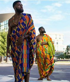 Discover a variety of kente outfits for ghanaian weddings. Get inspiration (view pictures of kente outfits) to help plan or attend a wedding. African Attire, African Wear, African Dress, African Style, African Fabric, African Women, African Print Fashion, Fashion Prints, Ankara Fashion