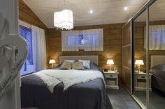 Huvila Nuuna Livo - Kuusamo Hirsitalot Sweet Home, House Ideas, Cottage, Interior Design, Lappland, Bed, Furniture, Dreams, Home Decor