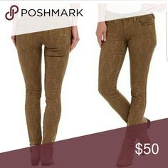 ***FLASH SALE****Free People Jacquard skinny jeans Camel colored as pictured. Like new. Size 2 or Xs us, 26 in free people sizes. Free People Jeans Skinny