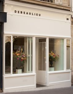 debeaulieu flowers | 30 rue henry monnier (right by buvette)