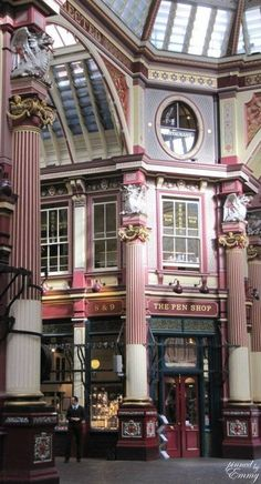 Leadenhall Market, City of London. I used to go here for lunch every week with m… Leadenhall-Markt, City of London. Ich war hier jede Woche zum Mittagessen mit m …, City Of London, England And Scotland, England Uk, The Places Youll Go, Places To Go, London Calling, London Travel, Great Britain, Big Ben