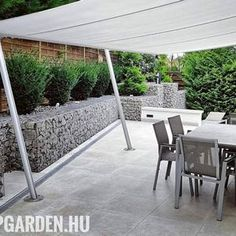 modern kertépítés ötletek Outdoor Furniture Sets, Outdoor Decor, Patio, Modern, Gardening, Instagram, Home Decor, Trendy Tree, Decoration Home