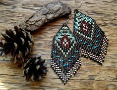 Etsy の Navajo Loom..Beaded Fringe Earrings Native by hoofandarrow