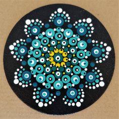 Tina`s Homepage Mandala Dots, Mandala Pattern, Dot Painting, Stone Painting, Button Art Projects, Pointillism, Sacred Geometry, Doodle Art, Painted Rocks