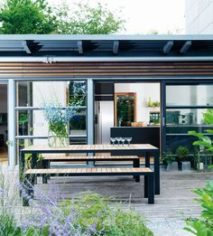 Purple Area: My terrace - Minimalist, yes!