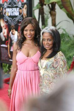 Sanaa Lathan & her mom Eleanor McCoy