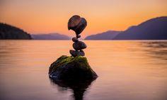 Homem domina arte de equilibrar pedras e explica como faz isso | Universo…