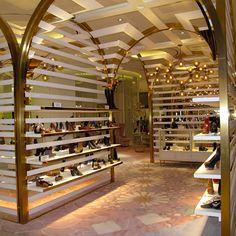 the dubai mall level shoe district
